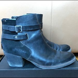 WOMENS LEATHER KORKS ROHIT BOOTIE SIZE 7